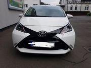 Toyota Aygo 5-Türer Automatik weiß