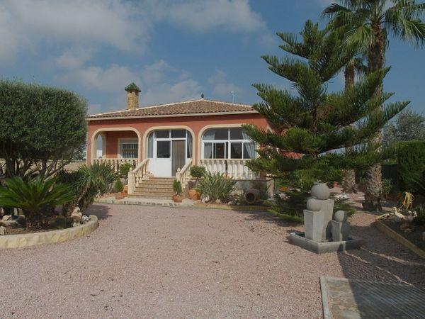 Sommerküche Kaufen : Landhaus villa mit pool garage & sommerküche in berlin