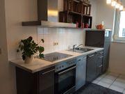 Moderne Küche in Hochglanz zu
