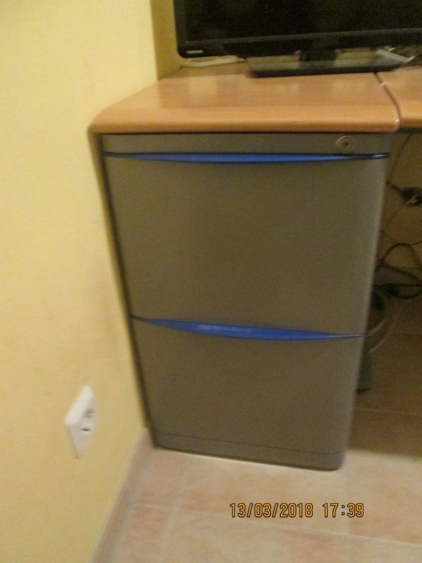 Metallstandcontainer » Computermöbel