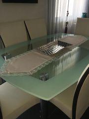 Esstisch aus Glas
