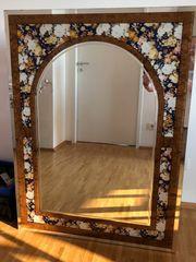 Wandspiegel mit dekorativem
