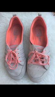 b15a89c15403 Adidas Ballerina - Bekleidung   Accessoires - günstig kaufen - Quoka.de