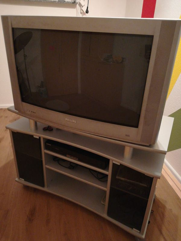 Fernsehunterschrank mit Fernseher in Talheim - Phono-, TV ...