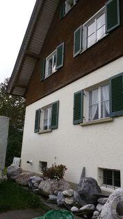 Fensterläden sowie Fensterscheiben