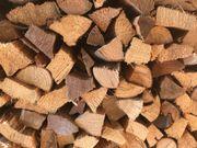 Biete ofenfertiges Brennholz