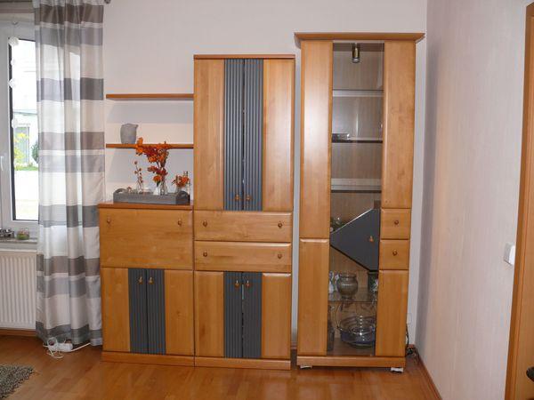 Wohnzimmerwand Buche massiv, auch mit Eckregal- und Phonoschrank in ...