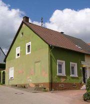 Bauernhaus mit angrenzendem Baugrundstück
