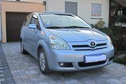 Toyota Corolla Verso ;