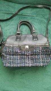 Damenhandtasche in schwarz/