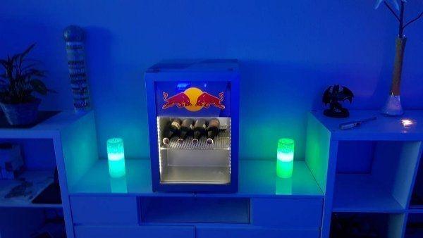 Zimmer Kühlschrank Red Bull : Kleiner red bull mini kühlschrank in leipzig kühl und