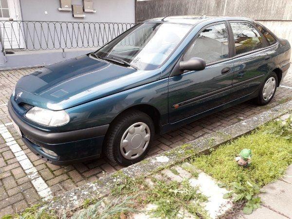 Renault Laguna - Schwaigern - Renault, Laguna, Limousine, Benzin, 84 kW, 250.000 km, EZ 06/1996, Schaltgetriebe, Grün, Nichtraucherfahrzeug. Renault Laguna, EURO4,Winterreifen sind drauf, Klimaautomatik, ohne Radio, Airback rechts+links, elekl. Fensterheber-vorn. Wegfahr - Schwaigern