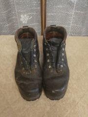 Alte Schuhe zur Deko