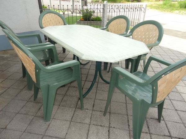 Gartentisch Set Mit 6 Stapel Stühlen Marke Grosfillex Top In Rohr