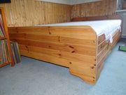 Bett aus Holz gebraucht mit